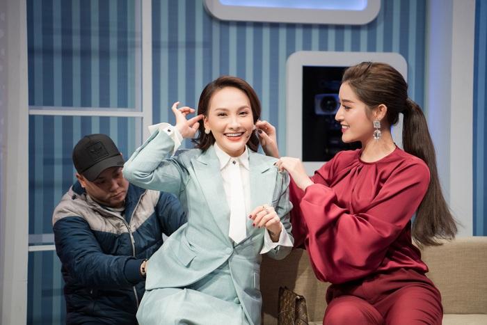 """Huyền My, Bảo Thanh nhí nhố bên lề show """"Những phụ nữ có gu"""" - Ảnh 2."""