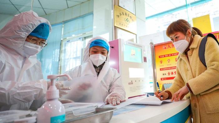 Đường dây nóng hỗ trợ lao động Việt tại tâm dịch Covid-19 tại Hàn Quốc - Ảnh 1.