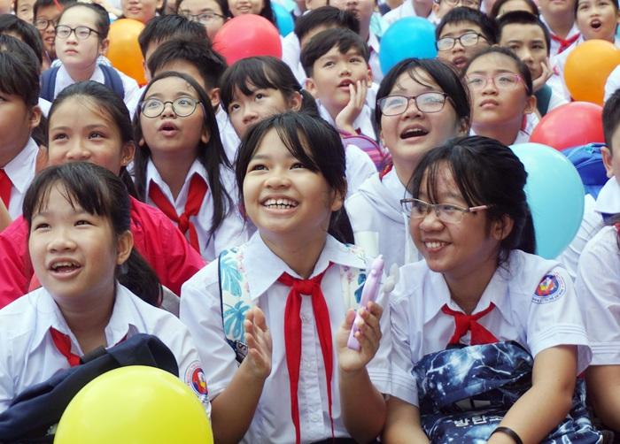 Đề xuất chia nhỏ các kỳ nghỉ trong năm cho học sinh: Để địa phương được quyền quy định? - Ảnh 1.
