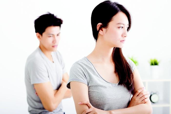 Cái kết bất ngờ khi mang đơn ly hôn dọa chồng - Ảnh 1.