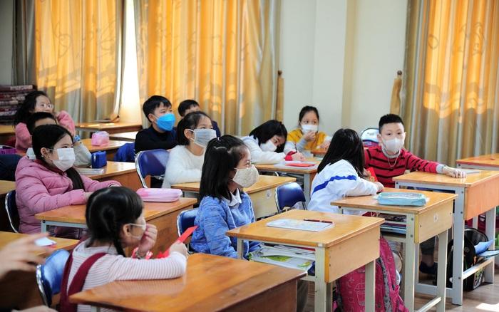 Bộ GD&ĐT đề nghị học sinh mầm non, tiểu học, THCS tiếp tục nghỉ học tránh dịch covid-19 - Ảnh 1.