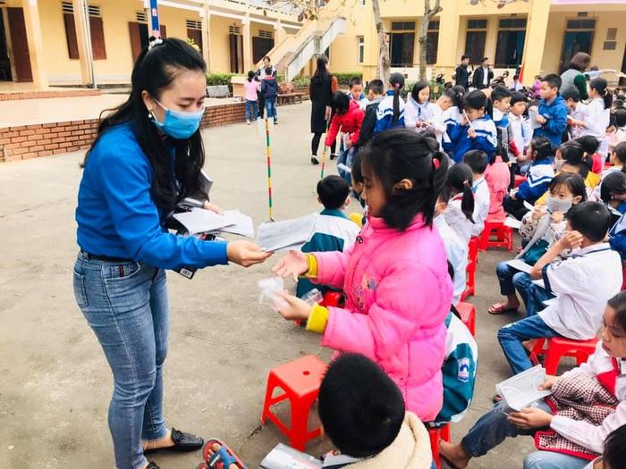 Hà Tĩnh: Học sinh bắt đầu nghỉ học vào ngày mai để phòng dịch Corona - Ảnh 2.