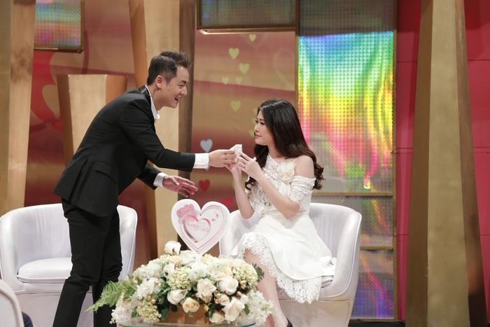 Đăng Khôi bật khóc khi nói về biến cố trong 14 năm yêu và kết hôn - Ảnh 1.