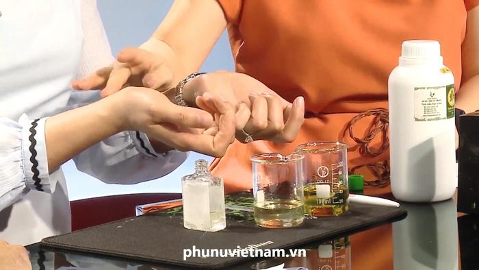 Phòng ngừa virus Corona, dược sĩ tư vấn 3 dấu hiệu nhận biết tinh dầu tràm nguyên chất - Ảnh 5.