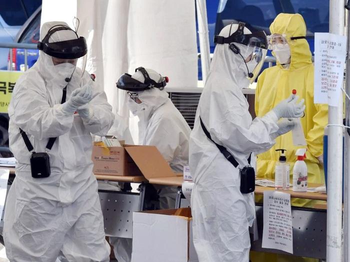 Australia thông báo ca tử vong đầu tiên do virus SARS-CoV-2 - Ảnh 1.