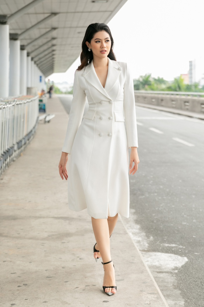 Hoa khôi Vũ Hương Giang tặng khẩu trang cho Hoa hậu Siêu quốc gia 2019 - Ảnh 8.