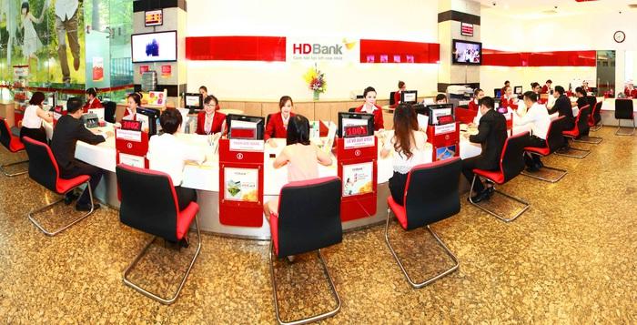 HDBank áp dụng chính sách miễn, giảm phí chuyển tiền qua ATM, Internet Banking, Mobile Banking dành cho khách hàng cá nhân và doanh nghiệp