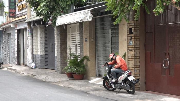 TP. Hồ Chí Minh: Hệ lụy từ những nơi có người nhiễm Covid-19 - Ảnh 1.