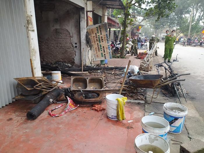 Hai kẻ phóng hỏa đốt nhà khiến 3 người tử vong đối diện án tử - Ảnh 2.