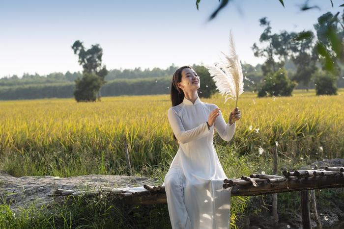 Thảo Nữ mê hoặc áo dài - Ảnh 1.