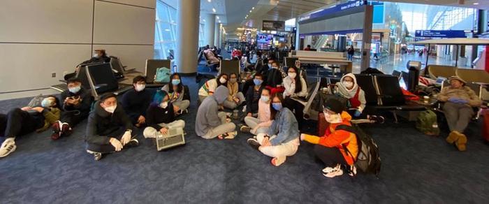 Nhiều du học sinh vẫn còn mặc kẹt tại San Francsico (Mỹ)