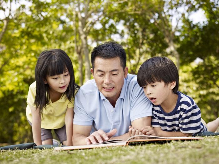 7 cách thú vị cha mẹ dạy trẻ về lòng tốt - Ảnh 2.