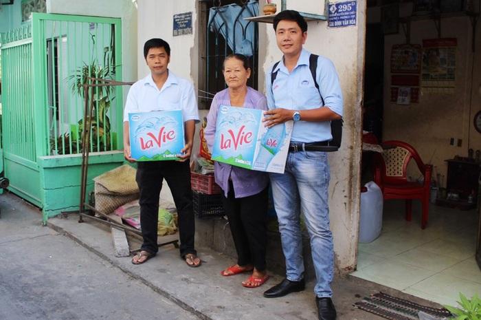 Hỗ trợ nước cho người dân tại thành phố Bến Tre