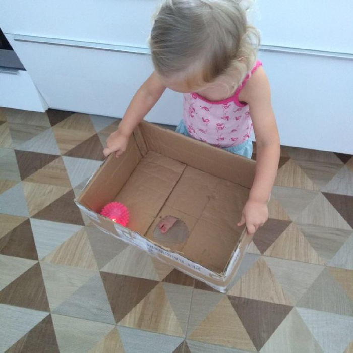 Tự chế 5 trò chơi thú vị cho bé ở nhà mùa dịch cực đơn giản giúp phát triển trí thông minh - Ảnh 4.