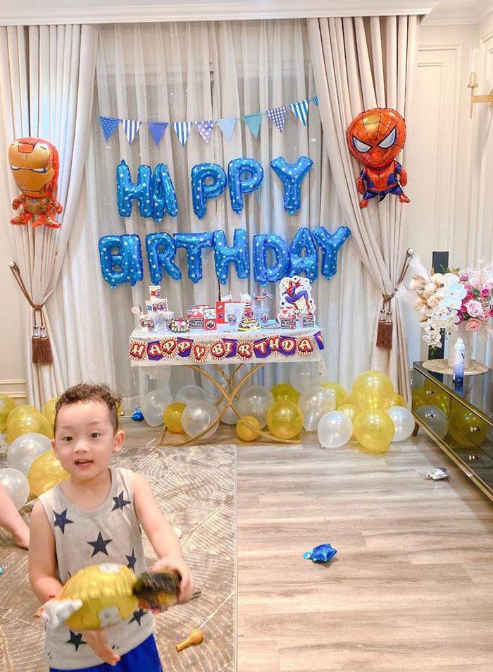 Sinh nhật nhưng không có khách mời, con trai Ly Kute nói một câu khiến mẹ chạnh lòng thương ghê - Ảnh 4.