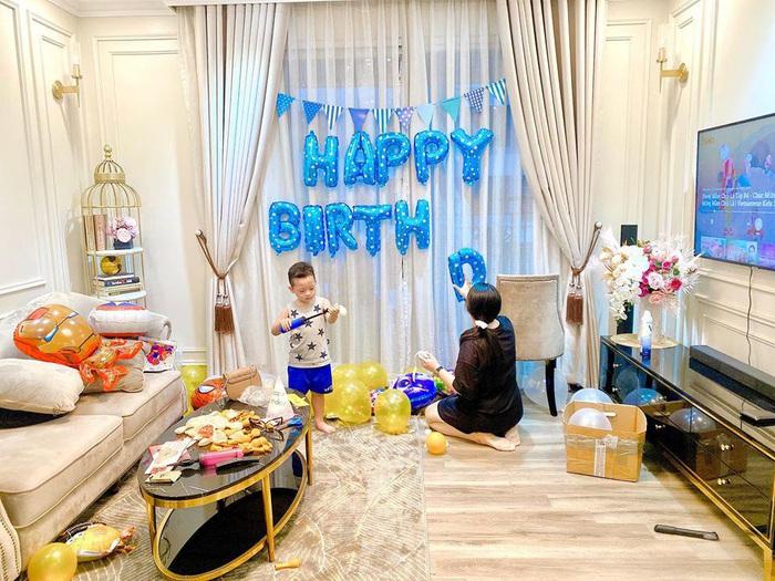 Sinh nhật nhưng không có khách mời, con trai Ly Kute nói một câu khiến mẹ chạnh lòng thương ghê - Ảnh 2.