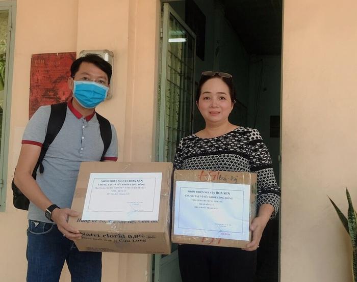 Hội LHPN tỉnh Bình Dương: Gần 10.000 chiếc khẩu trang nghĩa tình gửi đến người dân - Ảnh 7.