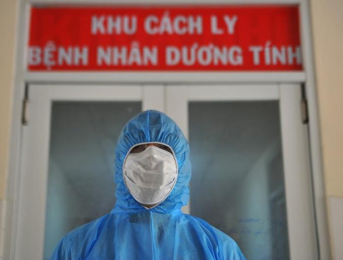 Hơn 50 bác sĩ và nhân viên y tế bệnh viện Bình Chánh đi cách ly vì cùng tới đám tang - Ảnh 1.