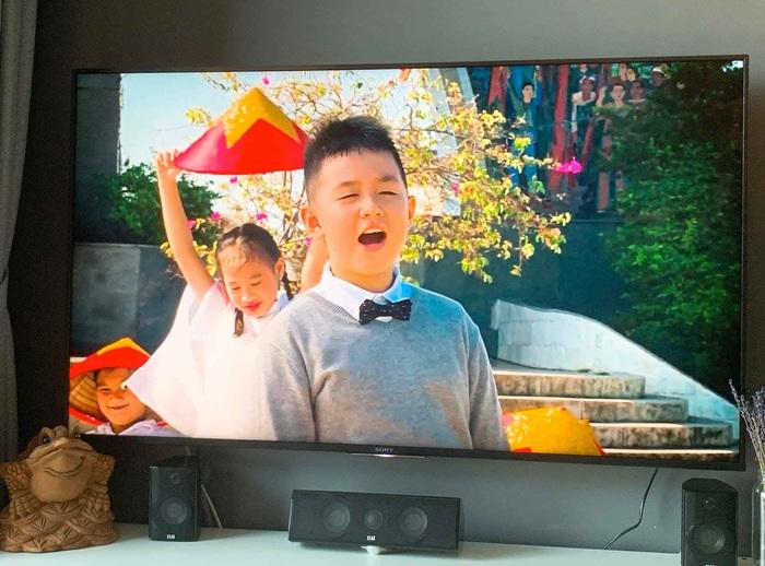 """Lê Phương """"nở mũi"""" vì con trai 8 tuổi hát hay như bố dượng, tự lập, giỏi chăm em - Ảnh 3."""