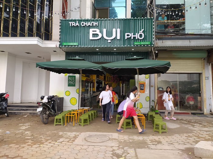 """Nhiều quán cafe ngang nhiên """"chống lệnh đóng cửa"""" của Chủ tịch Hà Nội - Ảnh 4."""