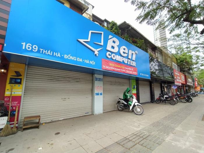 """Nhiều quán cafe ngang nhiên """"chống lệnh đóng cửa"""" của Chủ tịch Hà Nội - Ảnh 8."""