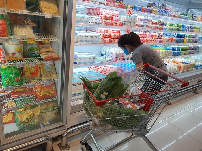 Người Hà Nội 'rút kinh nghiệm' mua hàng đủ dùng, không gom hàng, tích trữ  - Ảnh 9.