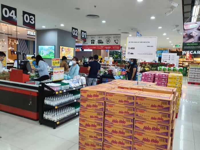 Người Hà Nội 'rút kinh nghiệm' mua hàng đủ dùng, không gom hàng, tích trữ  - Ảnh 10.