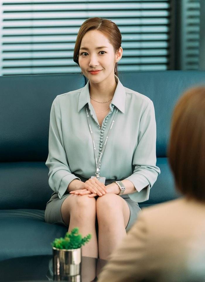 """Nhìn """"nữ hoàng dao kéo"""" Park Min Young mới thấy: Tóc mái sai một li, kém xinh đi một dặm - Ảnh 3."""