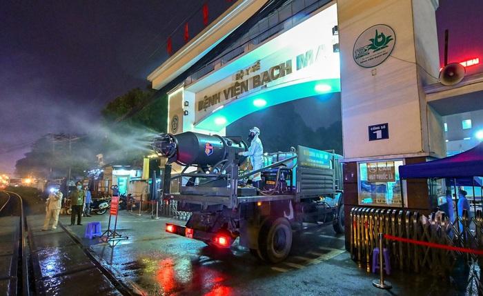 Ổ dịch COVID-19 lớn nhất Việt Nam được xử lý như thế nào ? - Ảnh 1.