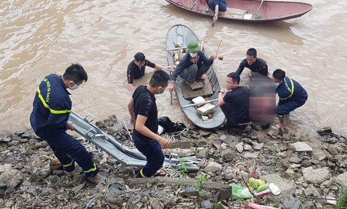 Bắc Giang: Một phụ nữ nhảy cầu tự vẫn nghi do mâu thuẫn gia đình - Ảnh 1.