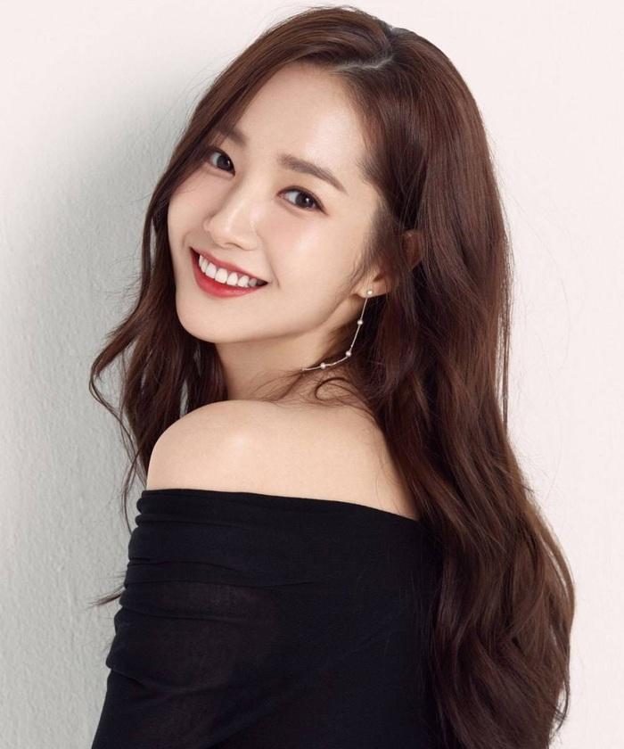 """Nhìn """"nữ hoàng dao kéo"""" Park Min Young mới thấy: Tóc mái sai một li, kém xinh đi một dặm - Ảnh 1."""