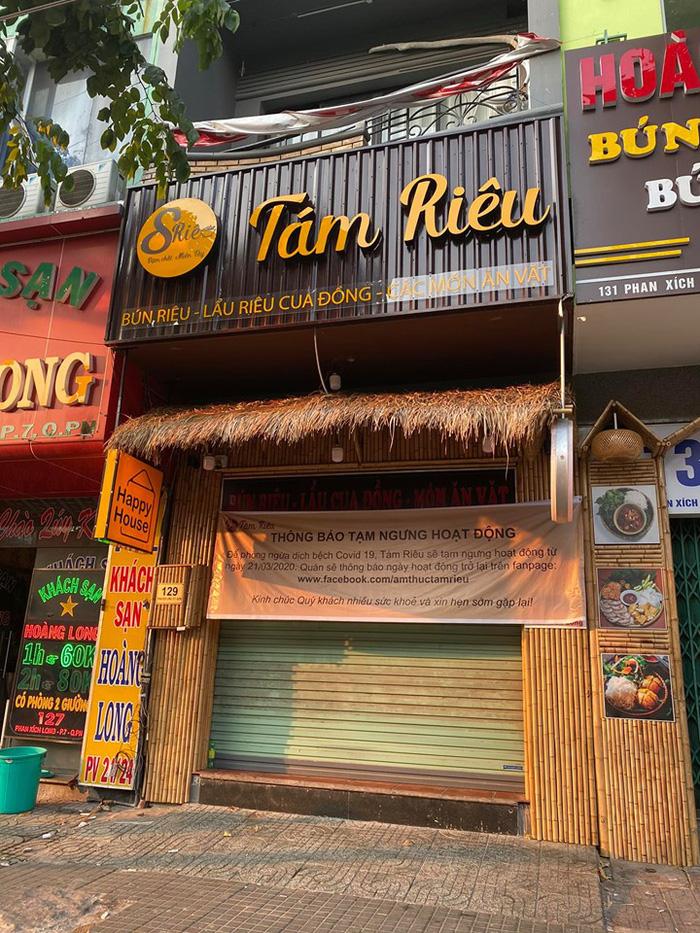 Người Sài Gòn chật vật thích nghi khi quán xá đóng cửa mùa dịch bệnh - Ảnh 2.