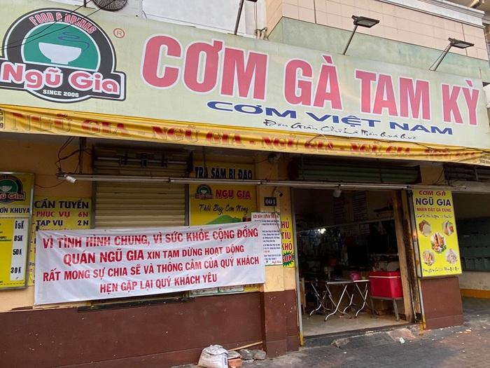 Người Sài Gòn chật vật thích nghi khi quán xá đóng cửa mùa dịch bệnh - Ảnh 1.