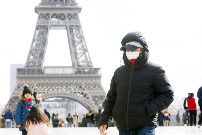 Chính phủ Pháp gấp rút lên các phương án đối phó với dịch bệnh