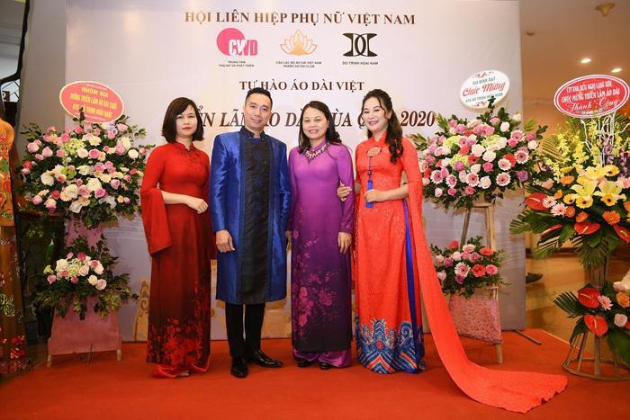 NTK Đỗ Trịnh Hoài Nam và lãnh đạo Hội LHPN Việt Nam