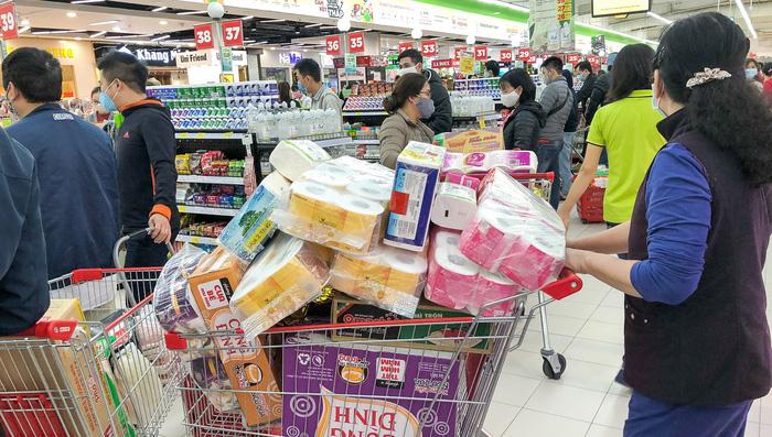 Thủ tướng chỉ đạo cung cấp đủ hàng hóa cho siêu thị và cửa hàng Hà Nội - Ảnh 1.