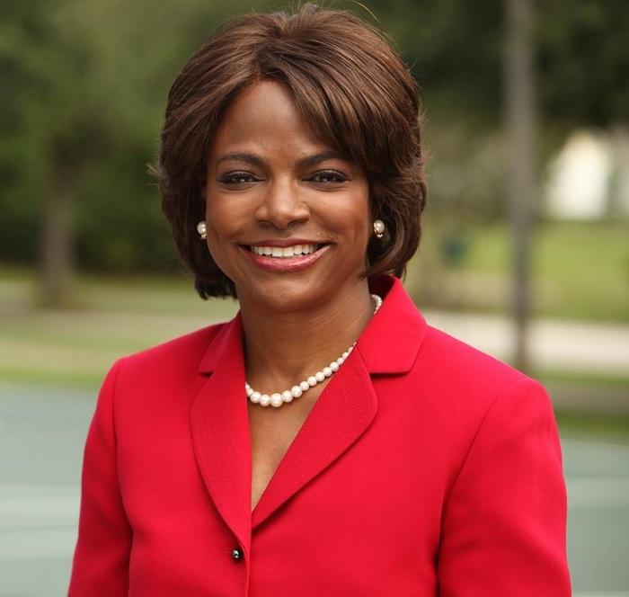 Top 10 nhân vật nữ quyền lực mà ông Joe Biden có thể chọn làm phó tướng - Ảnh 3.