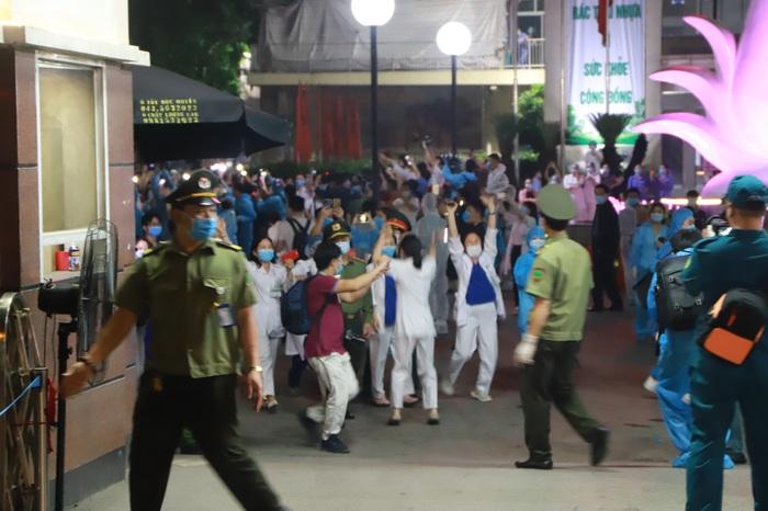 Bệnh viện Bạch Mai đơn phương chấm dứt hợp đồng với công ty Trường Sinh - Ảnh 1.