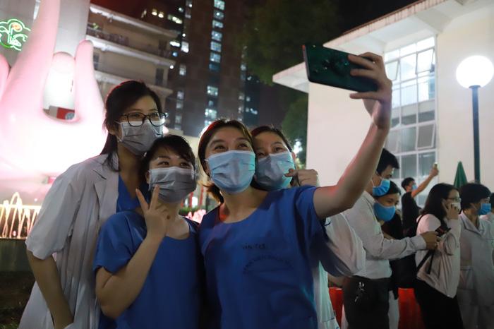 Bệnh viện Bạch Mai đơn phương chấm dứt hợp đồng với công ty Trường Sinh - Ảnh 3.