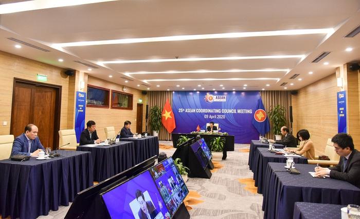 Hôm nay (14/4): Thủ tướng chủ trì Hội nghị trực tuyến ASEAN và ASEAN+3 - Ảnh 2.
