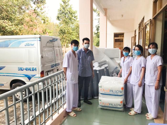 Nữ start-up đóng góp 1500 nệm giúp chăm sóc giấc ngủ cho các bác sĩ tuyến đầu chống dịch  - Ảnh 3.