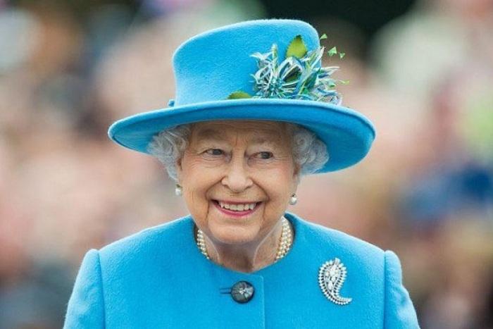 Nữ hoàng Anh Elizabeth II từ chối tổ chức sinh nhật trong bối cảnh Covid-19 tràn lan - Ảnh 1.