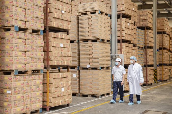 Lô sữa Vinamilk xuất sang Trung Quốc, tin vui cho ngành sữa giữa đại dịch - Ảnh 2.
