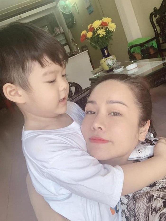 Nhật Kim Anh tậu nhà cao vườn rộng, làm sổ tiết kiệm, mua 2 bảo hiểm để đón con trai - Ảnh 3.