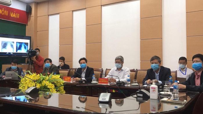 Bệnh nhân nặng nhiễm COVID-19 ở Hưng Yên liên tục thở máy - Ảnh 1.