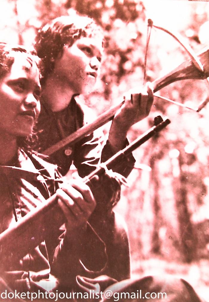 Những hình ảnh chưa từng được công bố về phụ nữ ở chiến trường miền Đông Nam bộ - Ảnh 2.