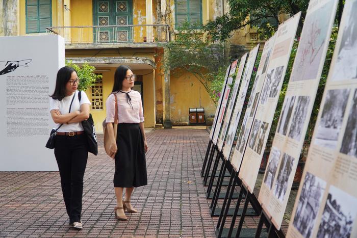 [Ảnh] Những hình ảnh xúc động về phụ nữ Việt Nam trong những ngày giải phóng miền Nam - Ảnh 15.