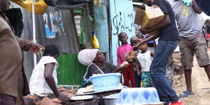 Nghèo đói khắp nơi vì dịch bệnh