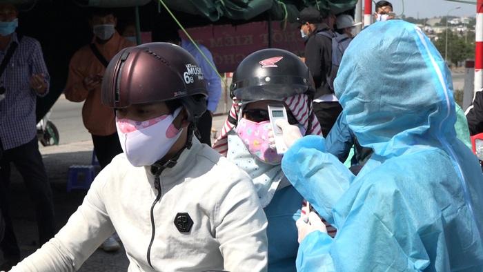 TP Hồ Chí Minh: 62 chốt, trạm ra quân kiểm soát y tế phòng dịch Covid- 19 tại các cửa ngõ. - Ảnh 5.