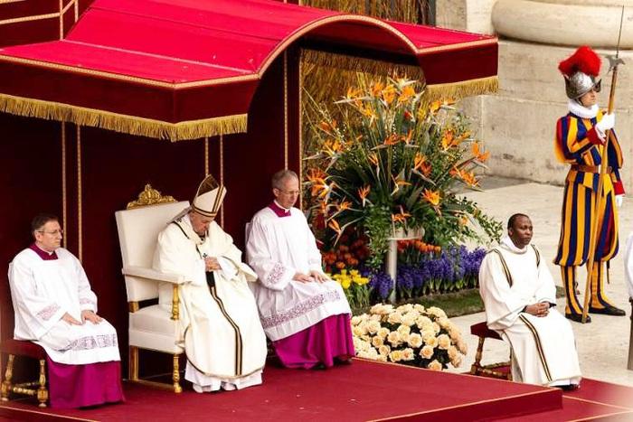 Giáo hoàng Francis sẽ làm lễ Phục sinh bên trong Vương cung thánh đường Thánh Phero